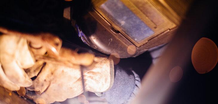 Veilig werken met werkplaats afzuiging, lasser, lasrook, lasrook afzuiging | Ventilatie Techniek Brabant